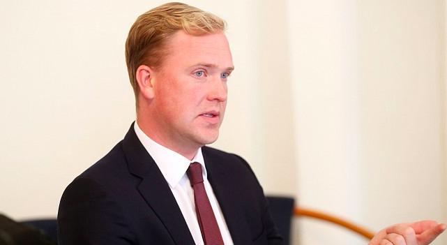 Opozīcijas deputāts atklātā vēstulē aicina prezidentu atlaist valdību