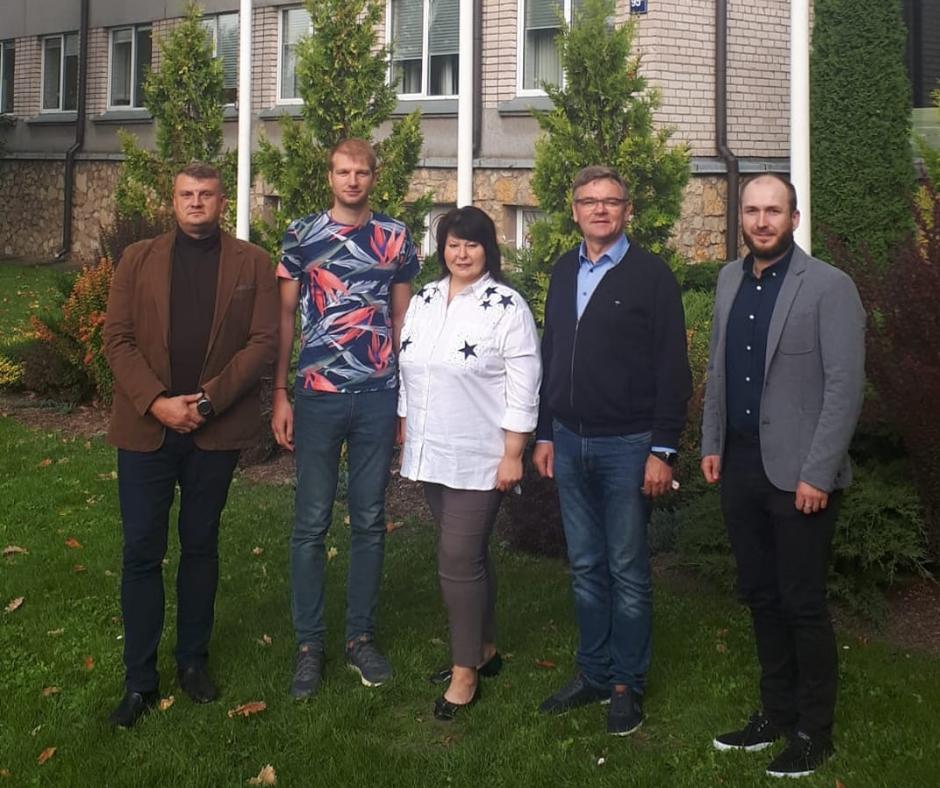 Pieci no sešiem vakar Rēzeknes novada domē ievēlētajiem sarakstiem tikko vienojušies par jaunā sasaukuma vadību