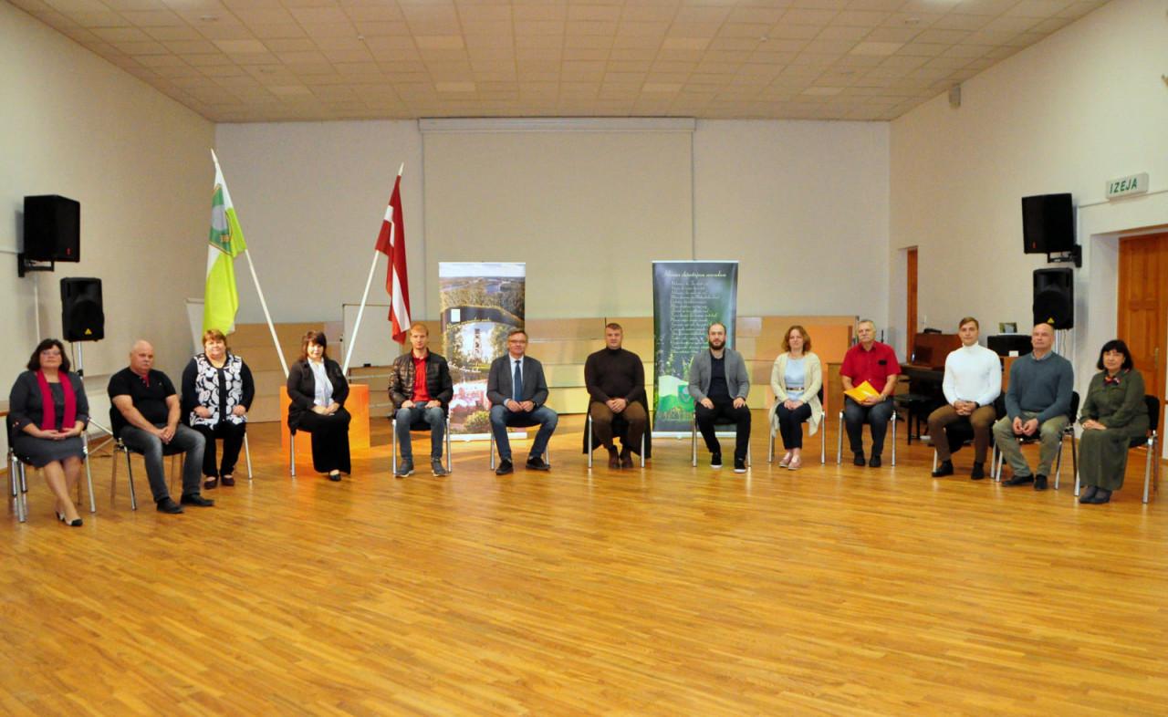 Notika Rēzeknes novada domē ievēlēto deputātu, kuri vienojušies par sadarbību, sanāksme